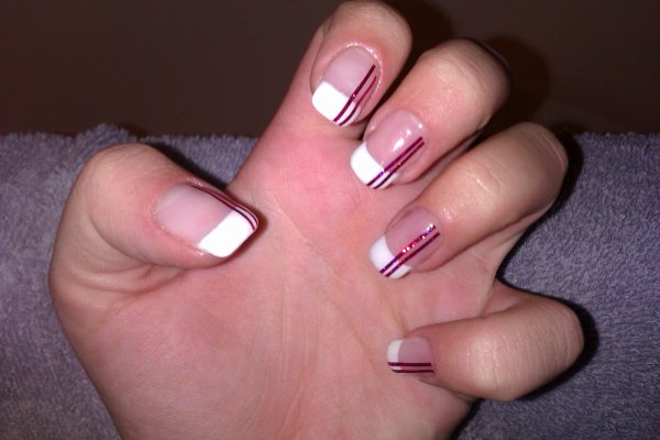 Pose ongle en gel french blanche avec stripping rose paillet aux ongles d 39 am lie - Ongle gel french blanche ...