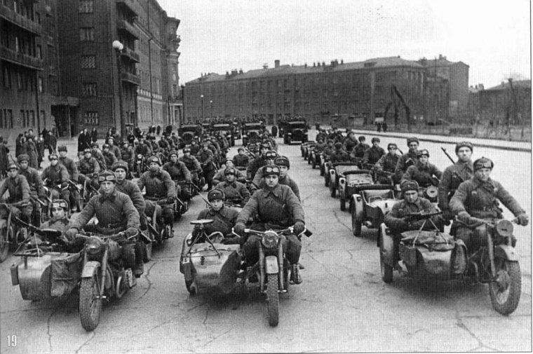 Bataillon motocycliste sovietiques durant la seconde guerre mondiale