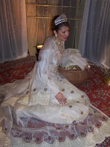 ... Negafa robe de mariée orientale, location robe caftan, Negafa Paris